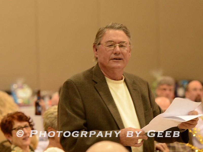 John Leininger reading Donny the Redneck field trial gunner.